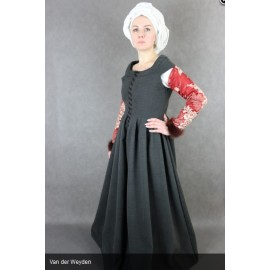 Late 15th century Outfit